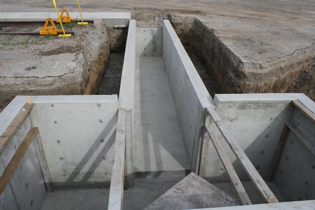Agro Liquid Fertilizer Agriculture Farm Construction Industrial General Contractor Rail Pits